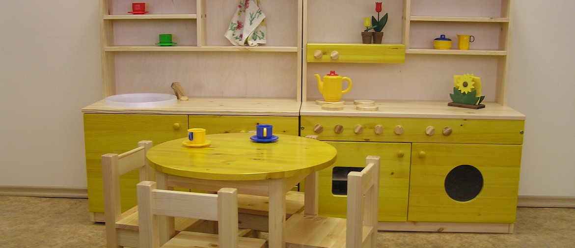 Täispuidust mööbel lasteaedadele